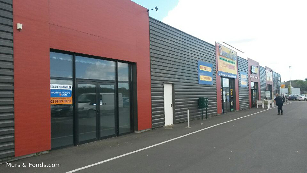 Immobilier d 39 entreprise p riph rie dinan a louer locati local commerc - Habiter local commercial ...