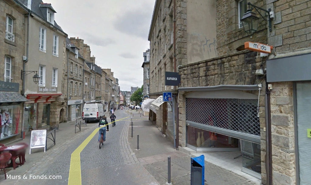 GUINGAMP - EMPLACEMENT N°1 - RUE NOTRE DAME - LOCAL COMMERCIAL A LOUER