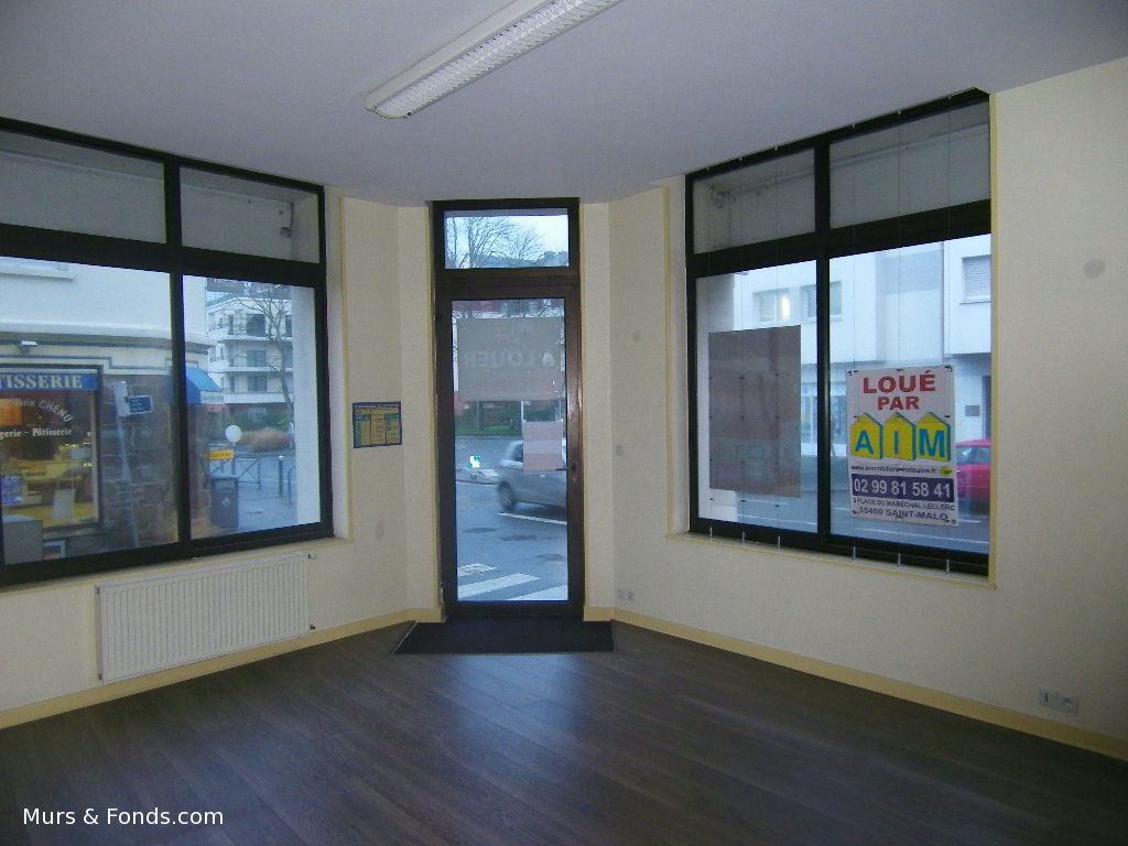 35 - SAINT MALO - LOCAL COMMERCIAL DE 100M² A LOUER
