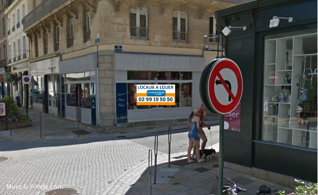 35 - Dinard centre - Emplacement n° 1 - Pas de porte à louer