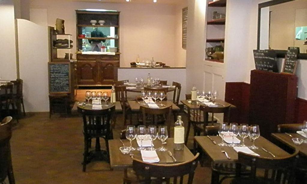 Paris 13e, limite 5e, Murs et fonds d'un restaurant + studio