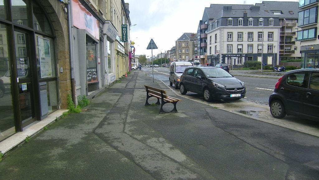 35 - Saint Malo sur axe passant, proche gare - Local commercial à louer avec droit d'entrée
