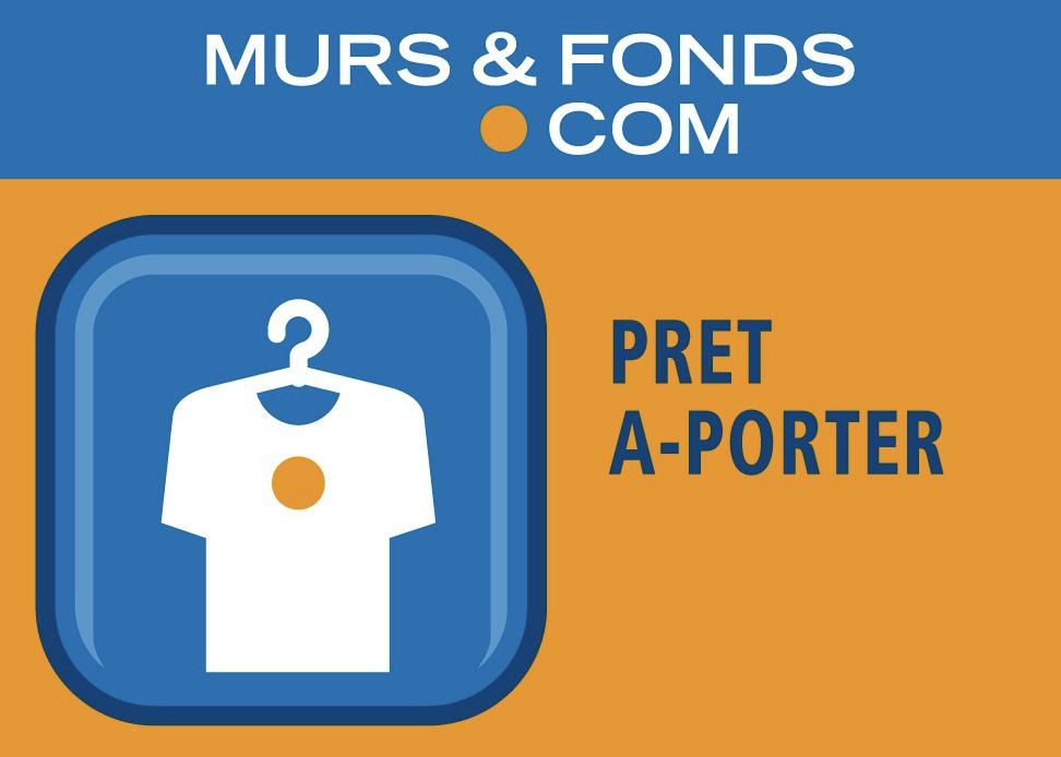 22 - COTE DE GRANIT ROSE - STATION BALNEAIRE - MAGASIN DE PRET A PORTER -