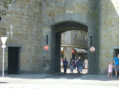 35- SAINT MALO - INTRA-MUROS - CESSION DE BAIL 30 m2