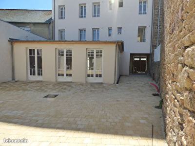 35 - SAINT MALO - LOCAL COMMERCIAL OU PROFESSIONNEL DE 110 m2